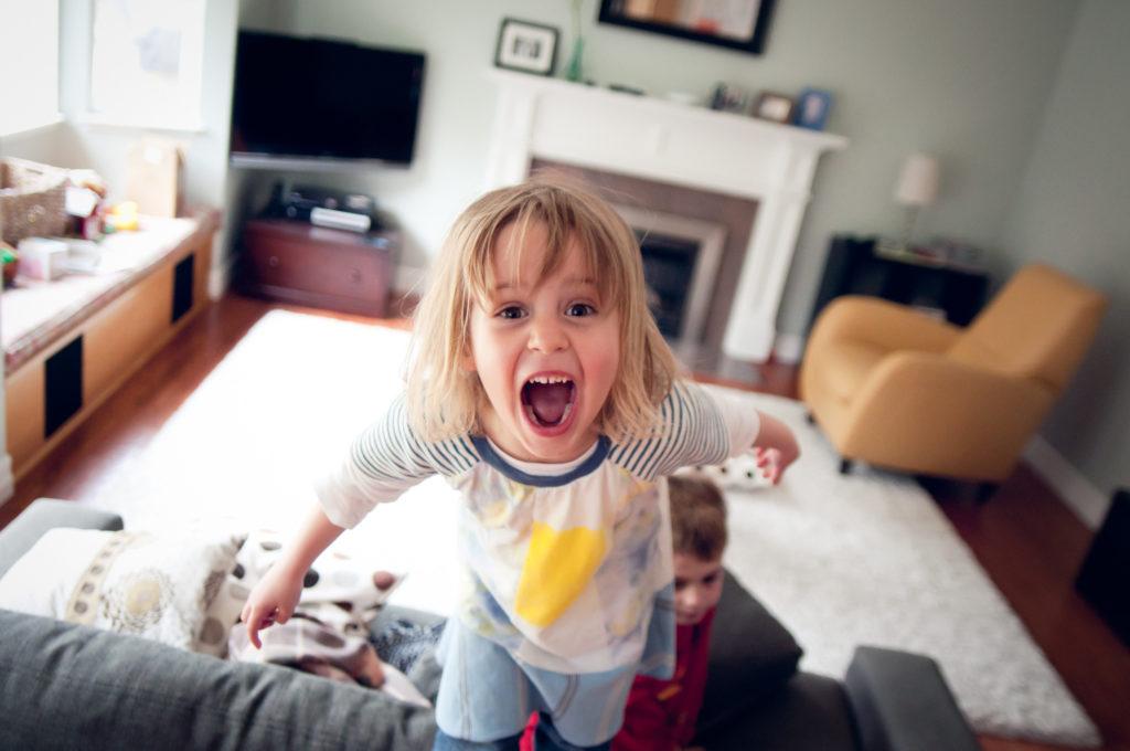 dziecko krzyczy