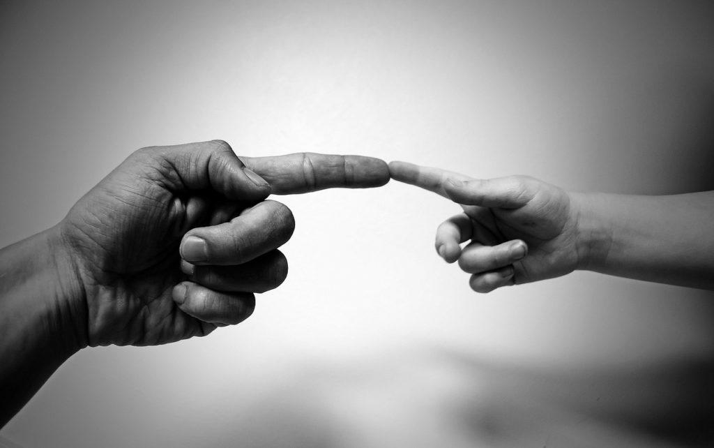 palce dorosły-dziecko